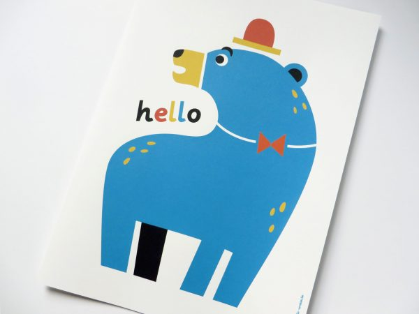 hello bear poster met retro beer met hoedje
