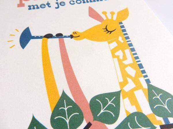 Giraf-speelt-deuntje-Wenskaart-communie-lentefeest-4