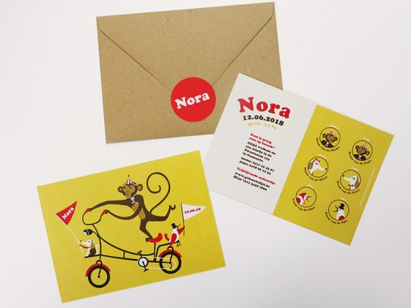 Geboortekaartje Nora Aap op een fiets