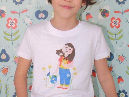 Sniffing flowers T-shirt - Meisje van 7 jaar en 10 maand