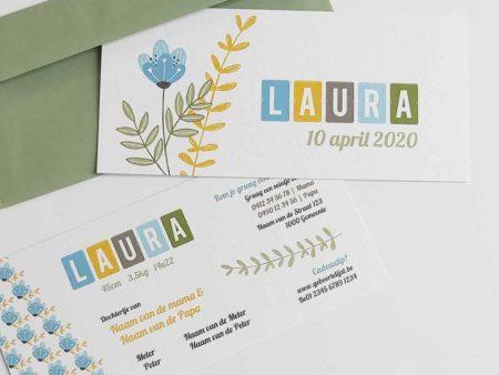 Lief geboortekaartje Laura met bloemen